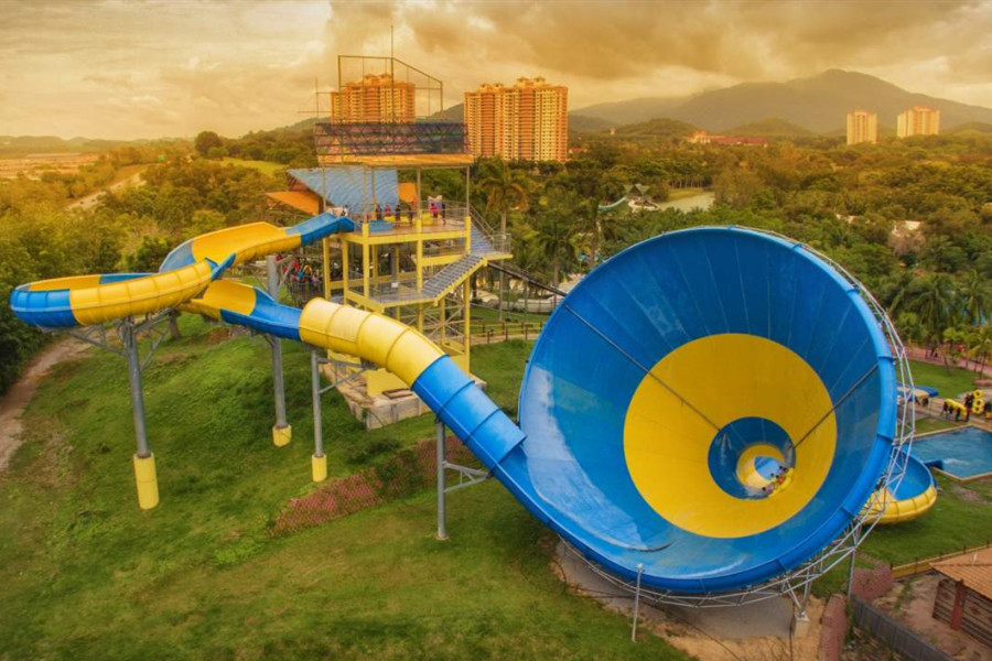 Malaysia Tour Package 3 nights 4 days with A Famosa Water Park